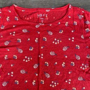 Women's LOFT Red Floral Linen Tee size M!! Lovely!